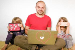 Beitragsbild Wie du dein Kind vor den Gefahren der digitalen Medien schützt
